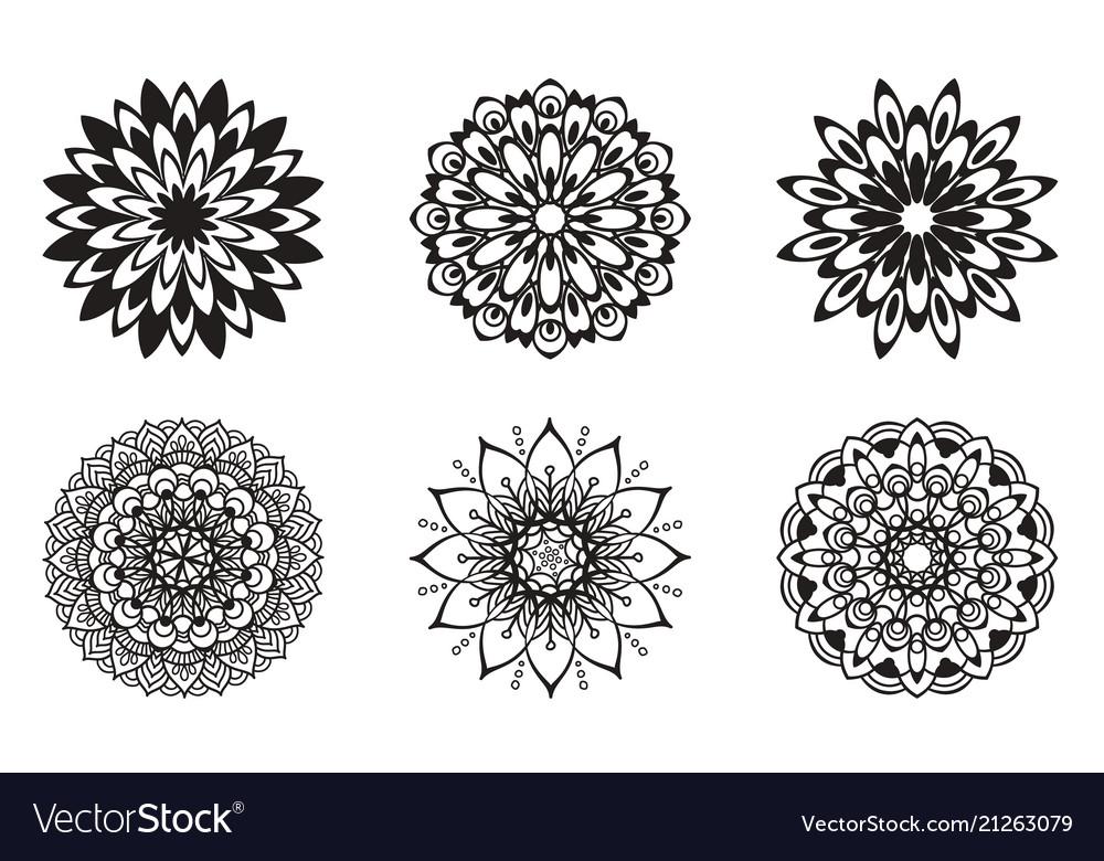 Set floral patterns black color