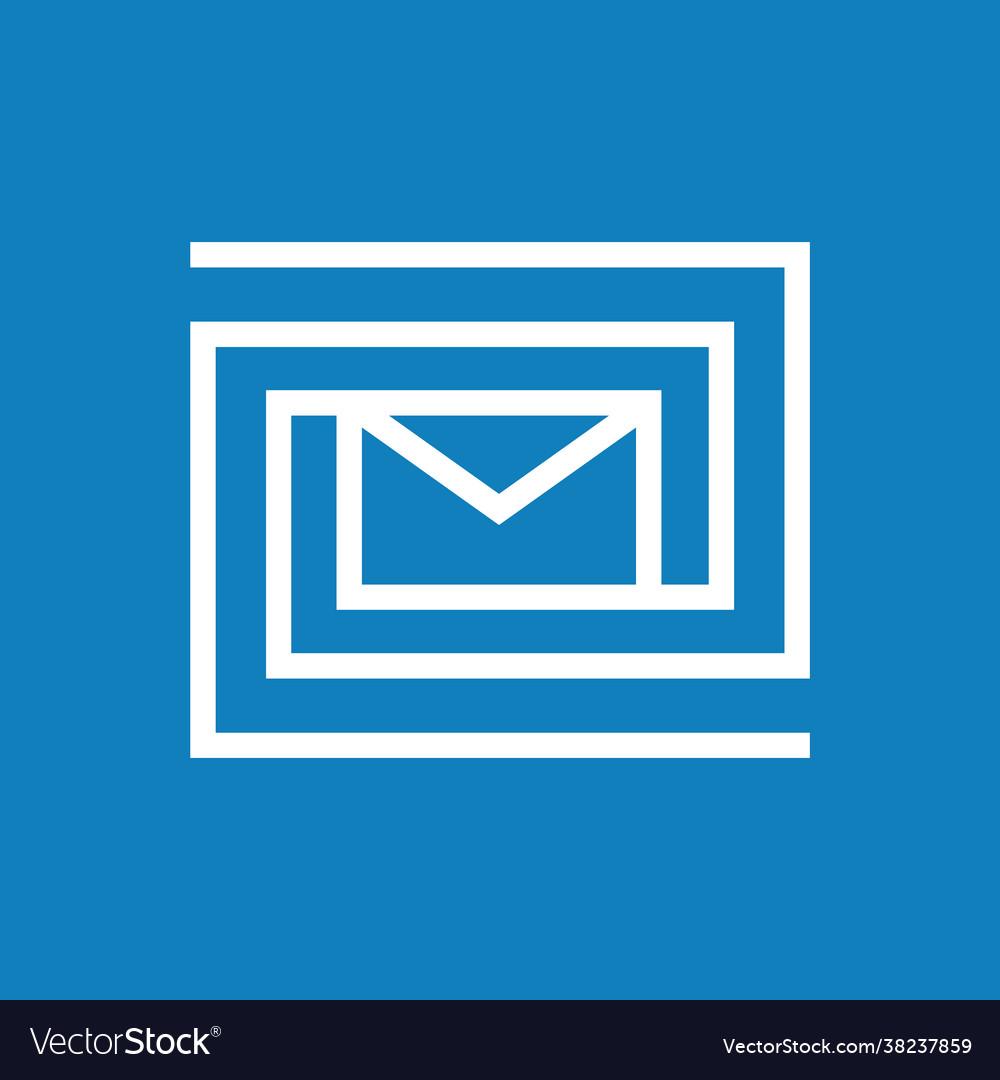 Labyrinth mail logo