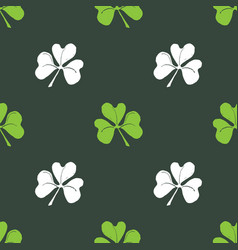 clover leaf seamless pattern hand drawn doodle vector image