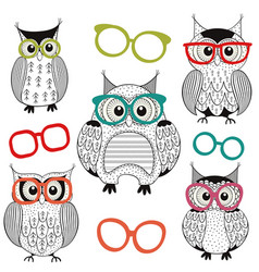 Set isolated owls with glasses vector