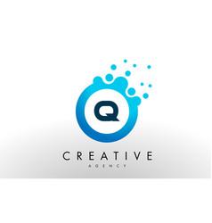 Q letter logo blue dots bubble design vector