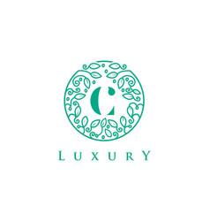 c letter logo luxurybeauty cosmetics logo vector image