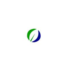 o letter leaf logo vector image