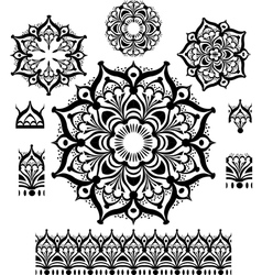 Round ornament pattern with pattern brush vector