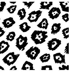 animal seamless pattern mammals fur print skin vector image