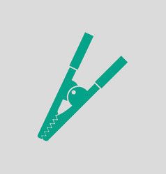 Crocodile clip icon vector