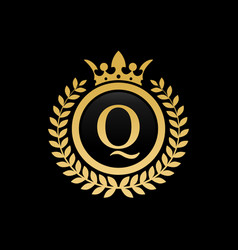 letter q royal crown logo vector image